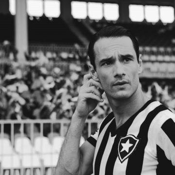 'Heleno' conta parte da vida do (talvez) primeiro jogador-celebridade brasileiro