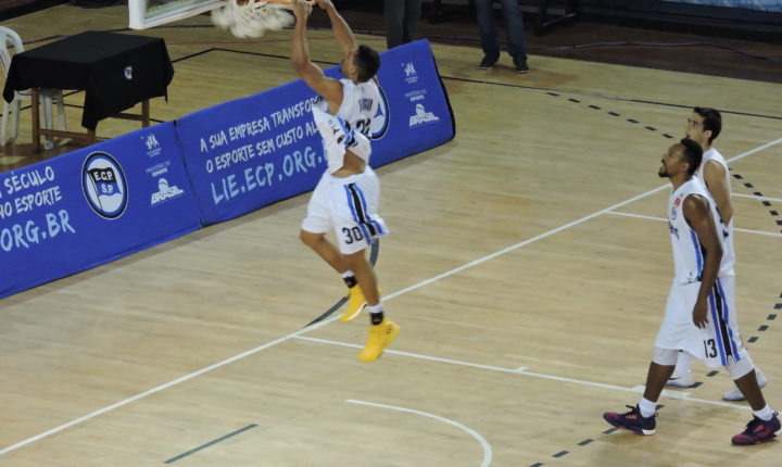 Nessa quarta, o Pinheiros enfrenta o Mogi pelo Campeonato Paulista de Basquete Masculino