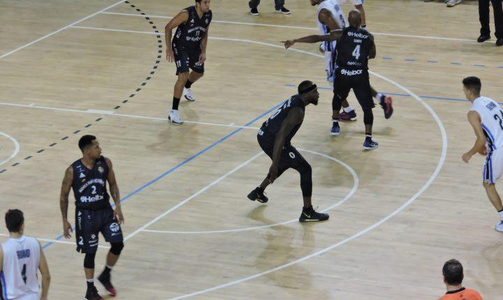 Campeonato Paulista Masculino de Basquete: Ouça os momentos finais de Pinheiros 59 X 81 Mogi