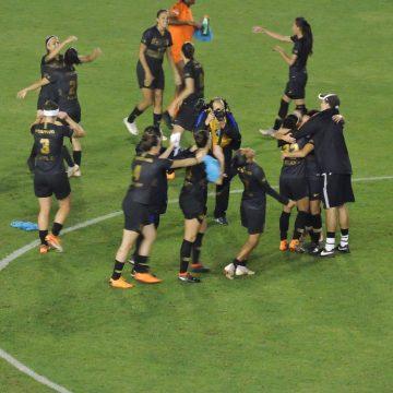 Corinthians goleia e conquista o Brasileirão Feminino