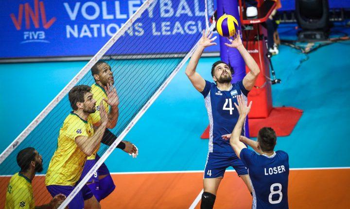 Suado e sofrido, Brasil vence Argentina e segue invicto na competição