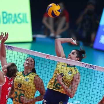 Brasil atropela a Turquia e avança à final