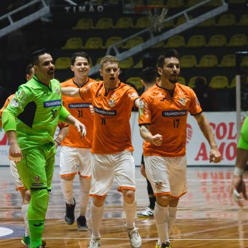 Carlos Barbosa bate Corinthians no Wlamir Marques