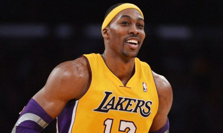 Lakers realizará treinos com pivôs para o lugar de Cousins