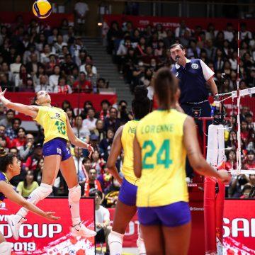 Em Sapporo, Brasil volta a jogar bem no Mundial de Vôlei Feminino, mas China dispara