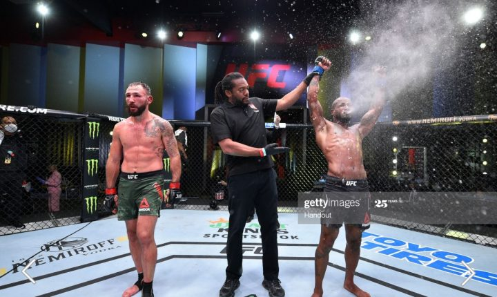 Green bate Vannata por decisão em guerra no UFC Vegas 5