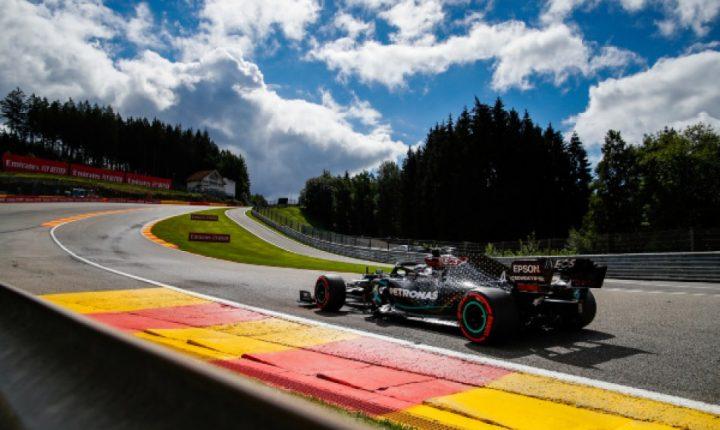 "GP da Bélgica: Hamilton é pole e paga tributo ao ""Pantera Negra"""