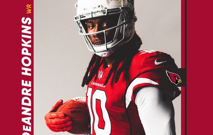 DeAndre Hopkins assina contrato recorde com os Cardinals