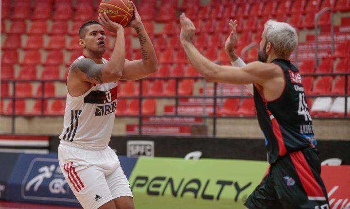 Flamengo domina Franca e mantém invencibilidade no NBB