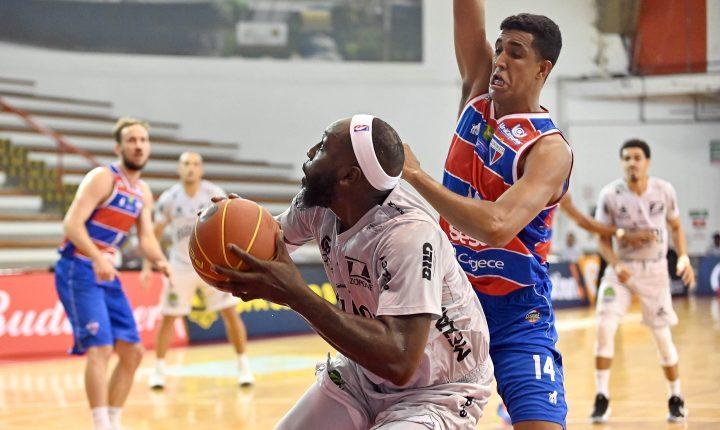 Bauru bate Fortaleza BC e vai à semifinal da Copa Super 8