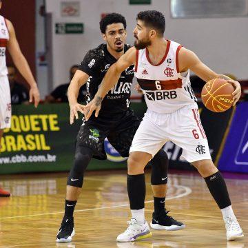Flamengo triunfa sobre o Bauru e vai à terceira final seguida da Copa Super 8